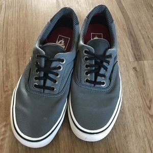 Men's Vans Size 7 Classic Grey and White